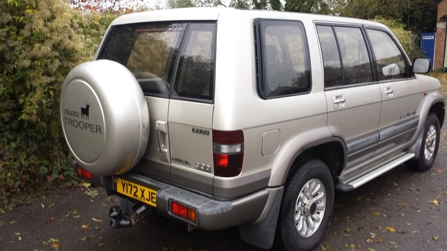 isuzu trooper insignia 3.0d, witney - old mill motors
