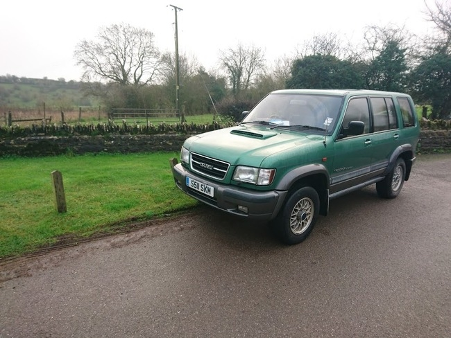 Sold 1999 ISUZU TROOPER CITATION 7 Seats DT LWB Green