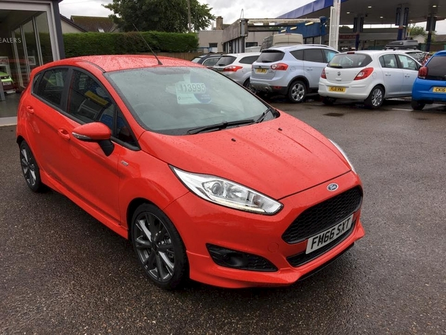 ford fiesta st line navigation 2017 66 1 0 petrol 5 door red nairn west end garage. Black Bedroom Furniture Sets. Home Design Ideas